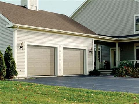 Un garaje decorado y pr ctico for Casas en garajes