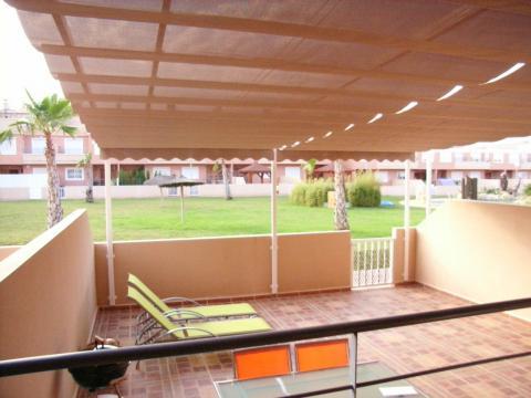 Poner toldo terraza materiales de construcci n para la for Materiales para terrazas