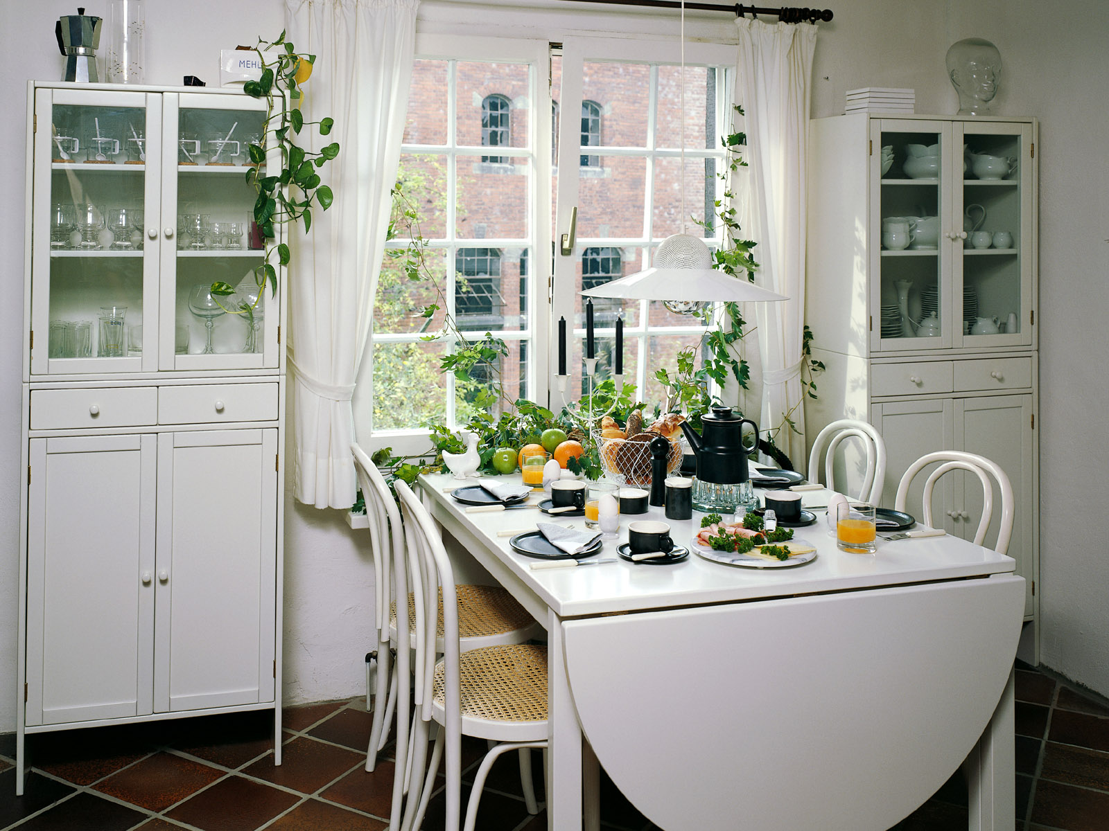 Decoraci n y dise o de interiores fotos for Ideas for small dining room space