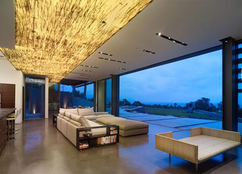 Moderna casa de lujo en malibu for Terrazas internas