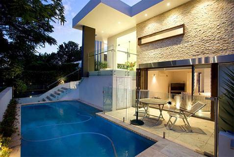 Residencia de lujo con piscina for Casa de lujo minimalista y espectacular con piscina por a cero