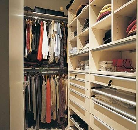 Armarios vestidores y closets para guardar ropa for Muebles para guardar zapatos y botas