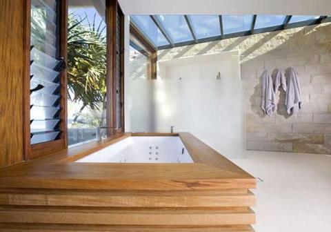 Preciosa casa de madera piedra y cristal - Casa de madera y piedra ...