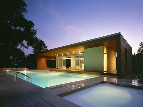 Casa con piscina minimalista for Plantas de casas modernas con piscina