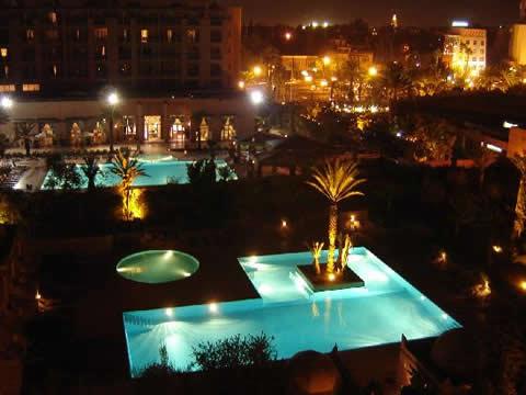 Piscina iluminacion 2 for Iluminacion piscinas