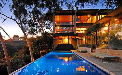 Preciosa casa de lujo en la for Casas de lujo con jardin y piscina