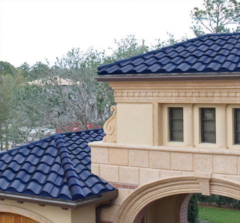 Paneles solares camuflados en el tejado - Tipos de tejados para casas ...