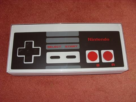 Mesa Para Los Fans De La NES