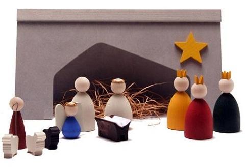Bel n de madera for Como decorar un belen de navidad
