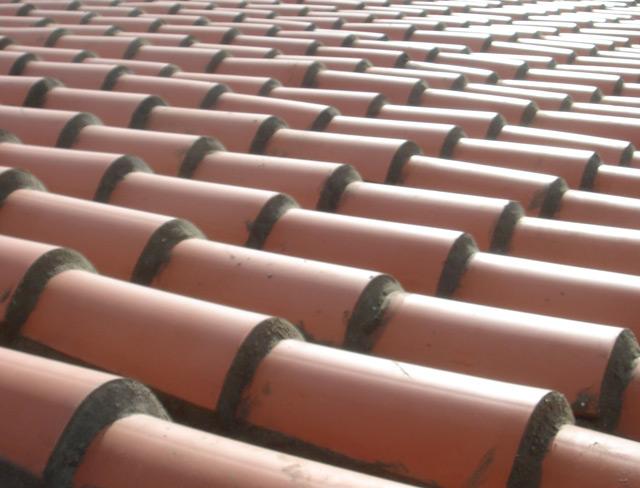Reparar tejas del tejado - Materiales para tejados ...