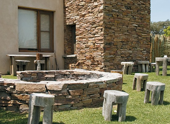 Muebles de exterior complementarios for Muebles con troncos