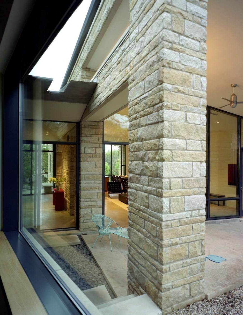 Elegante casa de piedra - Casas madera y piedra ...
