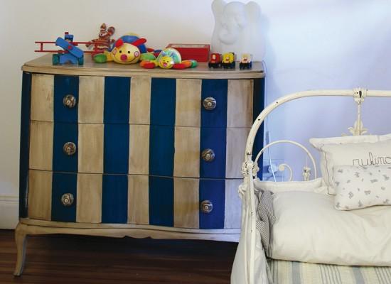 Colores para los muebles for Muebles pintados a rayas
