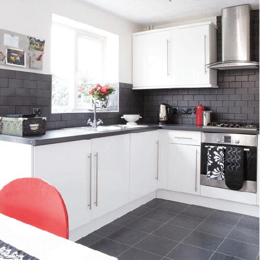 Muebles blancos en la cocina for Muebles de cocina blancos