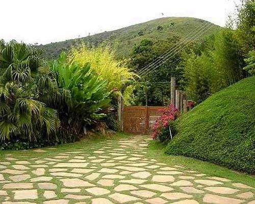 Decorar con piedras los jardines caseros - Como decorar jardines con piedras ...
