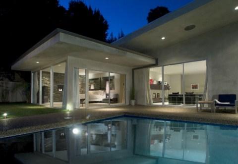 Casa de dise o con piscina en los ngeles for Diseno de casas con piscina interior