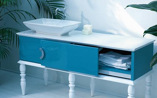 Muebles para un ba o azul for Muebles de bano azul