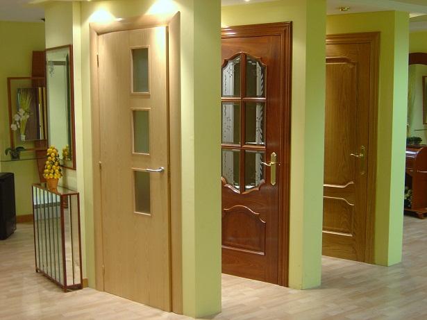 Elegir una puerta interior for Puertas en madera para interiores