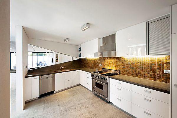 Cocina asim trica con dise o angular Asymmetrical balance in interior design