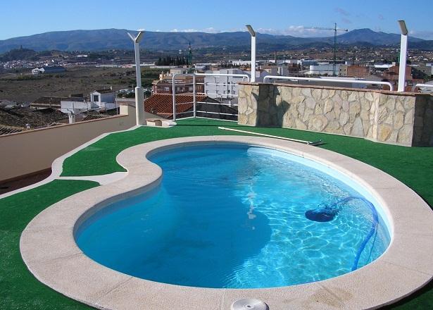 Image gallery imagen de una piscina for Que se necesita para hacer una piscina