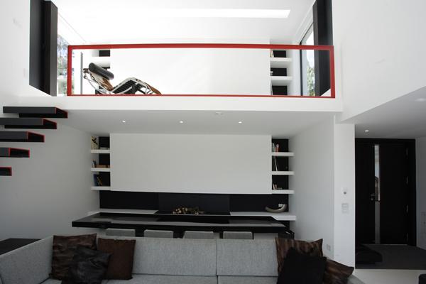 Salon black red white