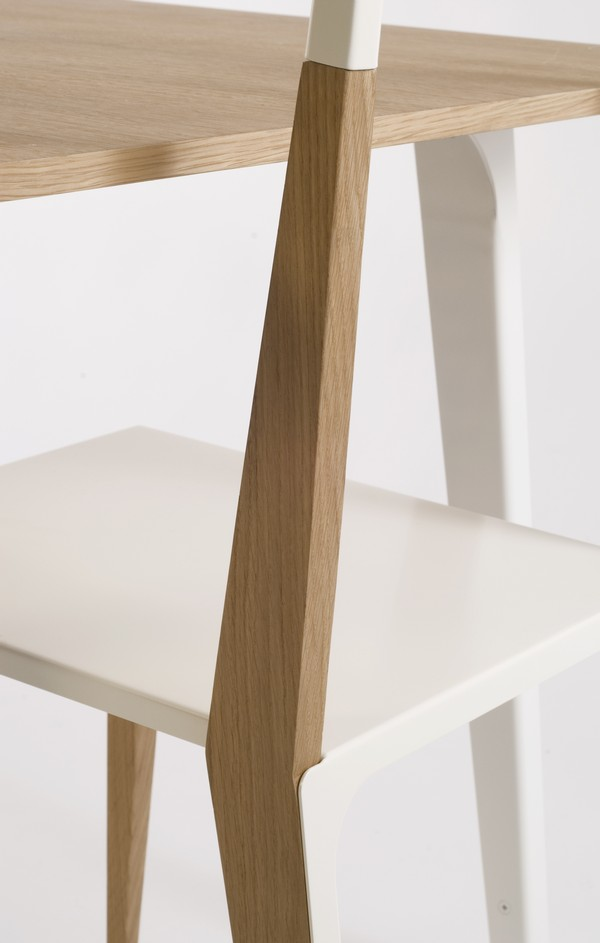 Mesa y sillas de madera minimalistas11 for Mesa y sillas madera