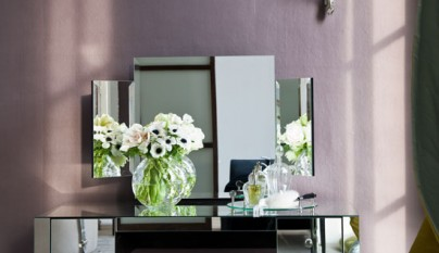 mirrored-bedroom-dressing-table