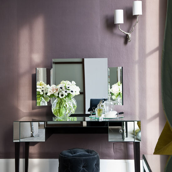 Mirrored bedroom dressing table