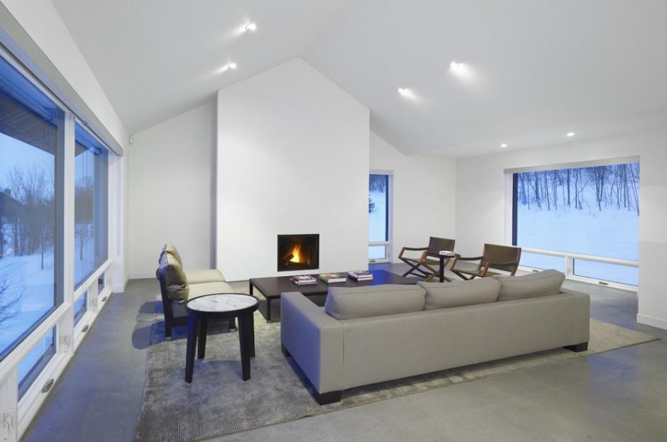 Casa minimalista en la nieve for Casa de lujo minimalista y espectacular con piscina por a cero