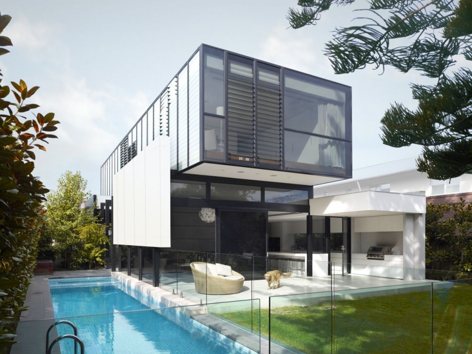 Casa minimalista con piscina for Casa de lujo minimalista y espectacular con piscina por a cero