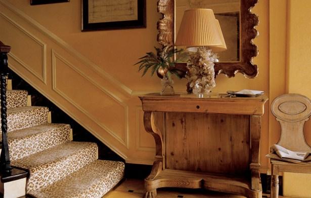 Alfombras en la escalera for Decoracion de escaleras interiores
