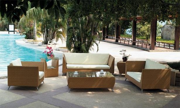 Muebles de mimbre for Mobiliario de patio