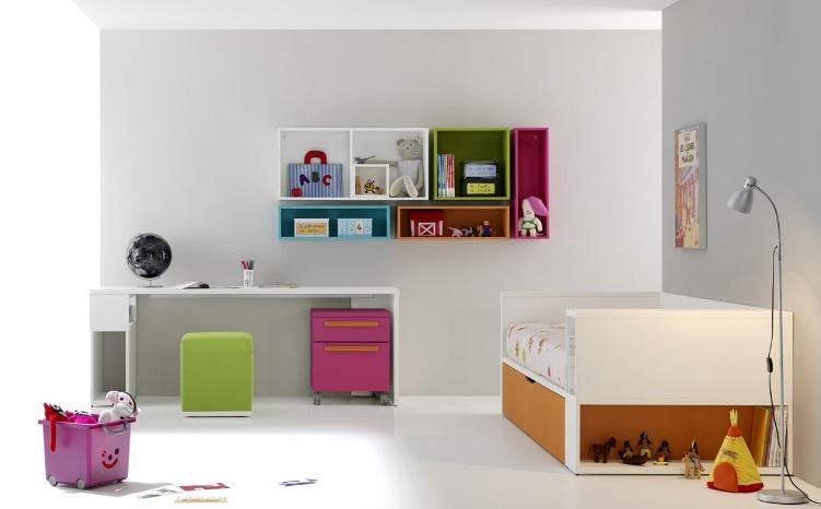 Dormitorios coloridos para ninos for Dormitorios para tres ninos