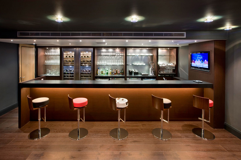Tener Un Mini Bar De Madera En Casa