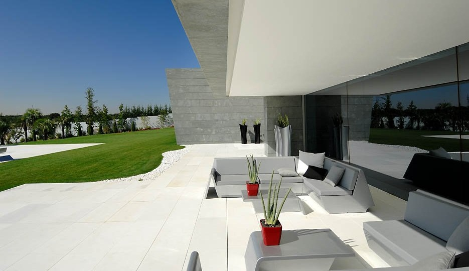 Casa familiar de a cero en madrid - Joaquin torres casas low cost ...
