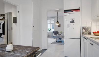 Apartamento decorado en blanco escandinavo for Departamentos decorados en blanco