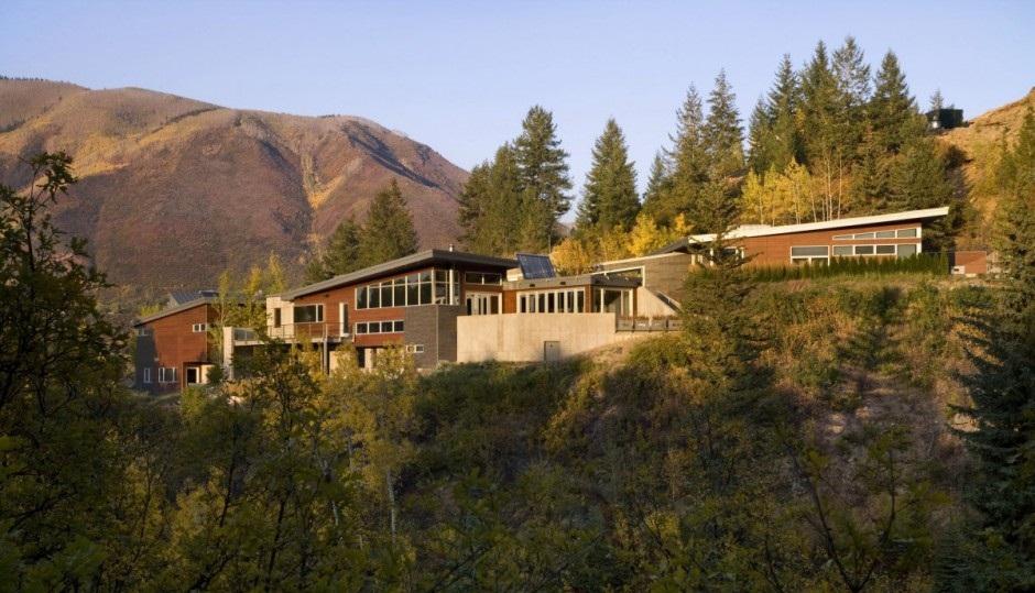Casa de lujo en la monta a for Casa moderna en la montana