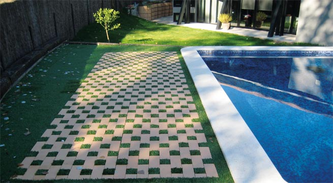 Decorablog revista de decoraci n - Suelos para jardin exterior ...