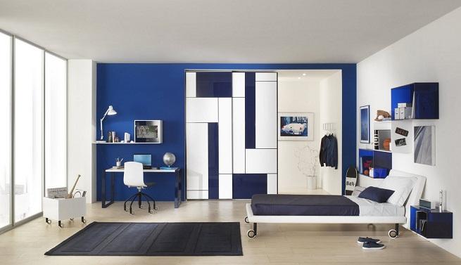 Decorar un dormitorio de azul y blanco