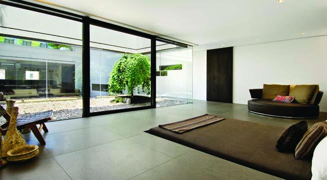 Tico de lujo con decoraci n minimalista for Soho interior design ideas