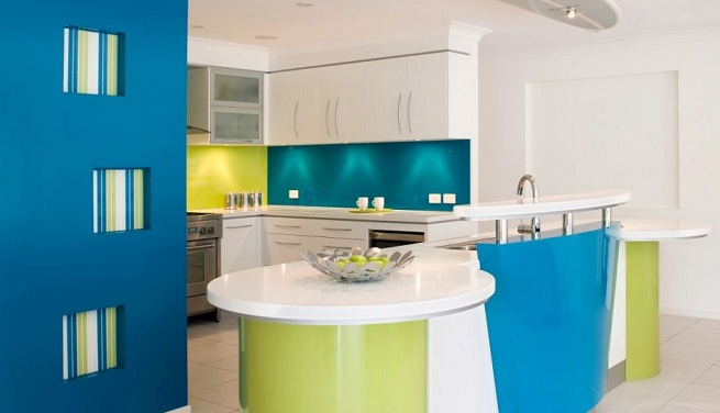Decorar la cocina de color azul for Colores de pared para cocina