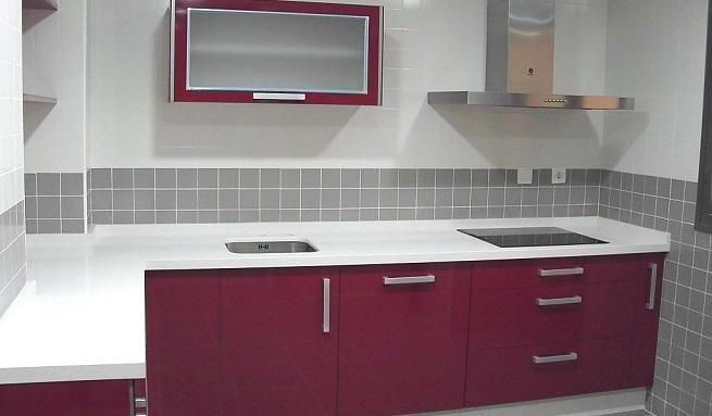 Decorar la cocina de color rojo - Cocinas de color rojo ...