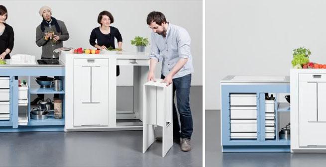 Una cocina metida en un mueble for Cocinas para espacios pequenos