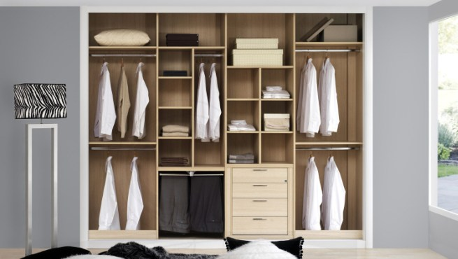 C mo organizar un armario ropero - Organizar armarios empotrados ...