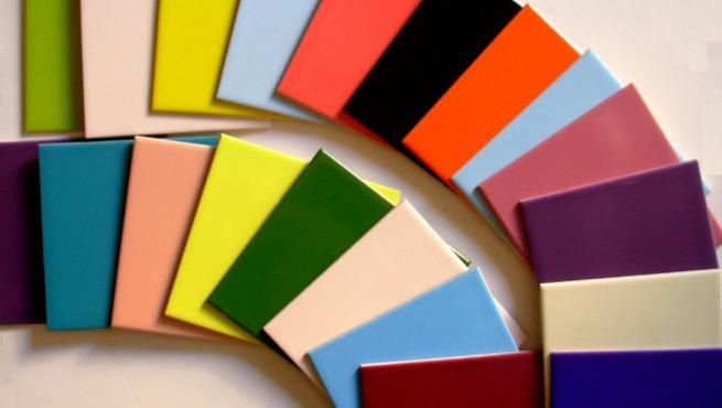 Moving color la moda de decorar con azulejos de colores for Bano de color colores