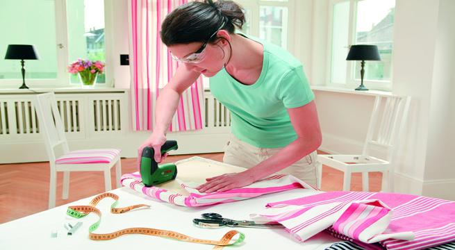 C mo tapizar tus propios muebles for Tela para forrar muebles