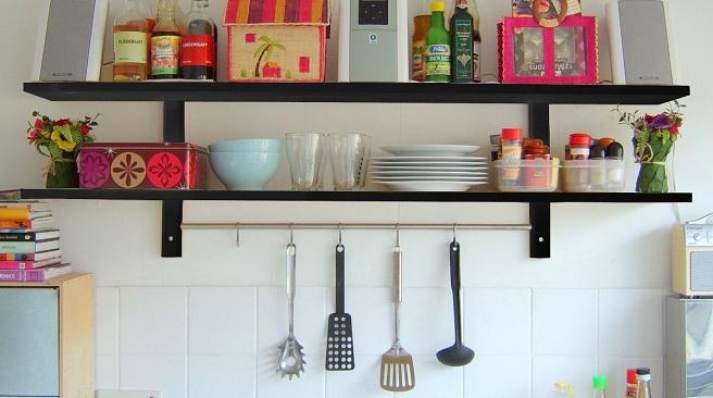 Las estanter as en la cocina for Estanterias cocinas pequenas