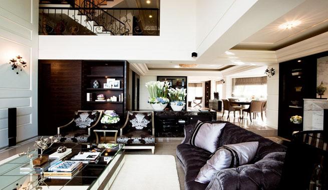 Casa actual de estilo cl sico for Casas estilo clasico moderno