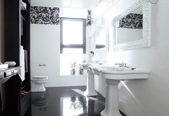 Baño Pequeno En Blanco:Bano En Blanco Y Negro