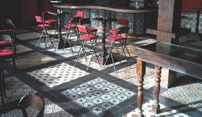 Decorablog revista de decoraci n - Suelos para bares ...